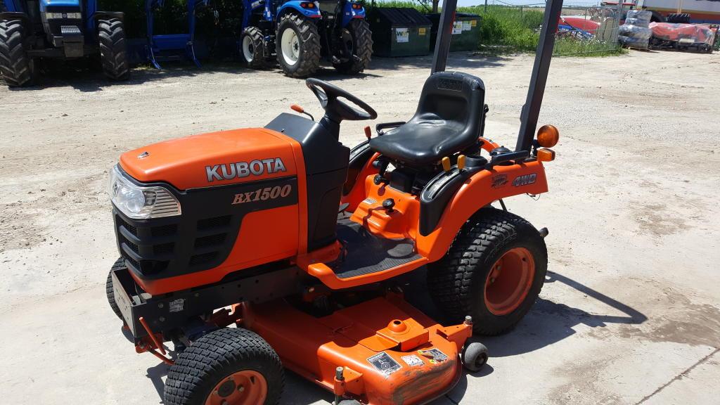 Kubota BX1500 - Tractor