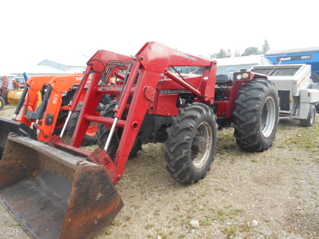 Case IH 685 - Tractor