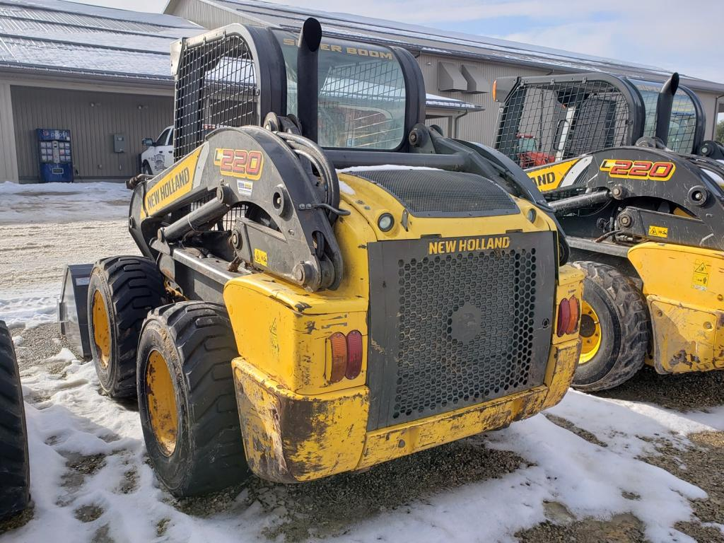2013 New Holland L220 - Skid Steer