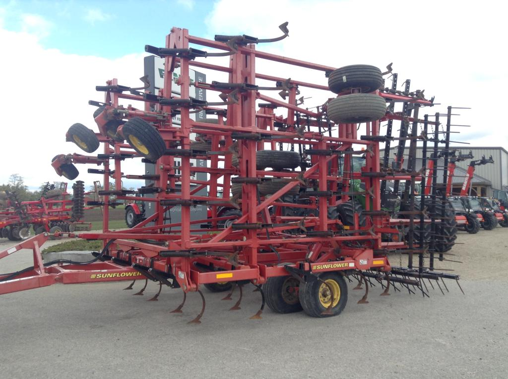 2007 Sunflower 5055-48 - Cultivator