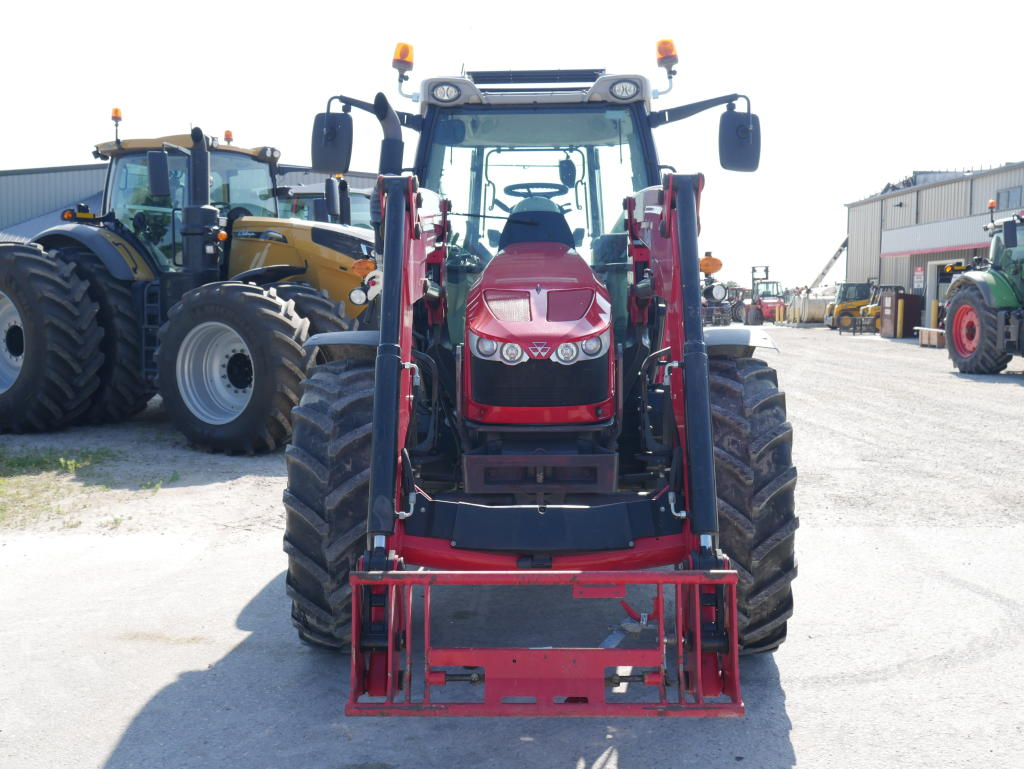 2015 Massey Ferguson 5613 - Tractor