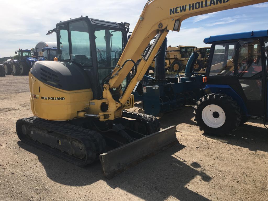 New Holland E55B - Excavator