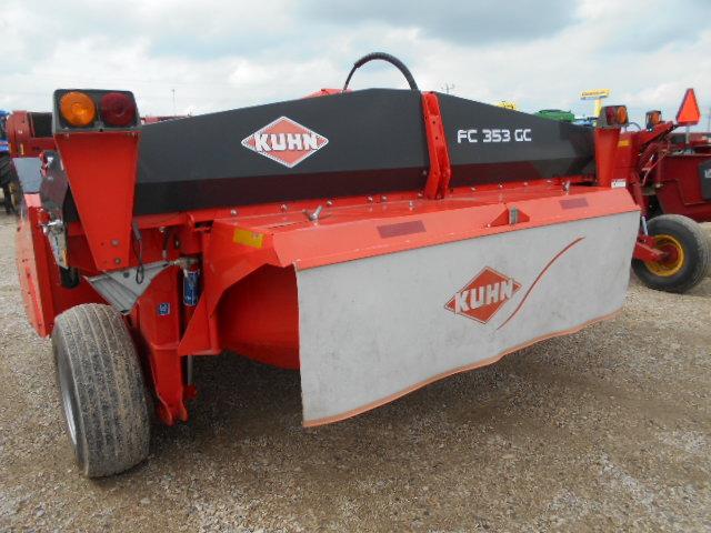 Roberts Farm Equipment | Kuhn FC353GC – Disc Mower Conditioner