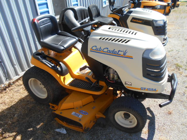 Cub Cadet GT1554 - Mower - Riding