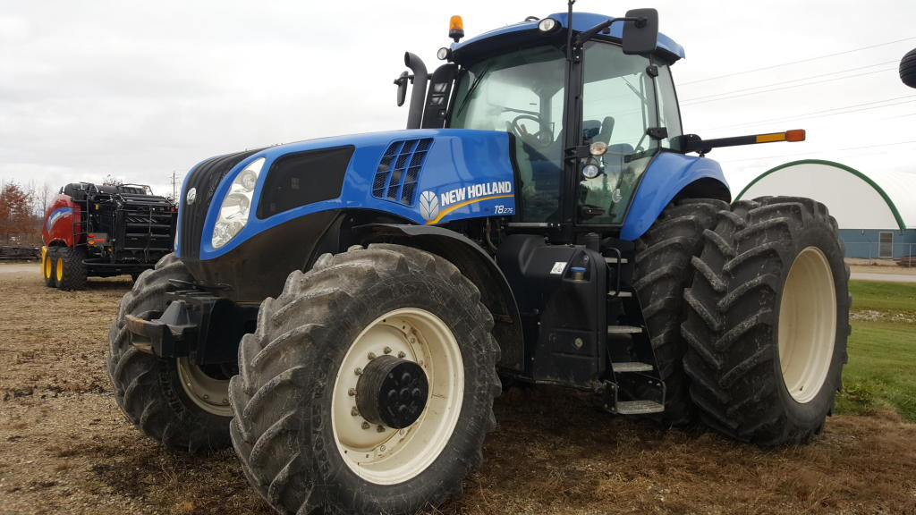 2013 New Holland T8.275 - Tractor