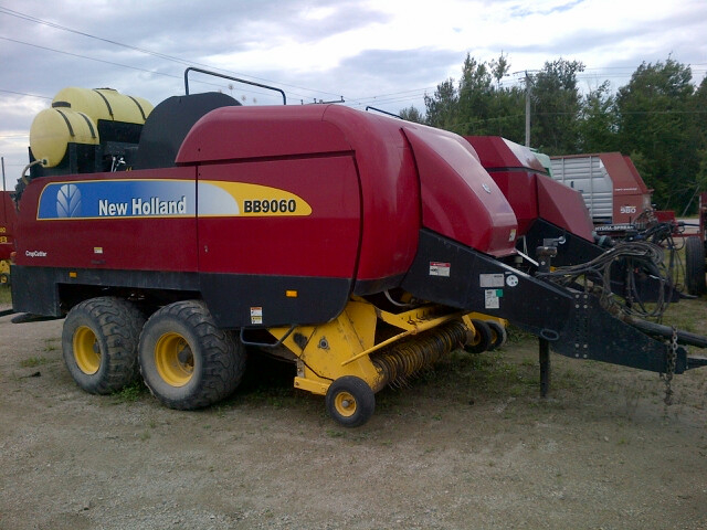 New Holland BB9060 - Square Baler - Large