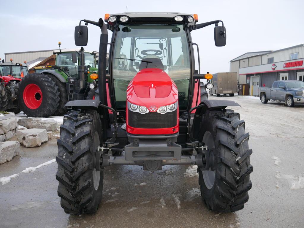 2014 Massey Ferguson 5613 - Tractor