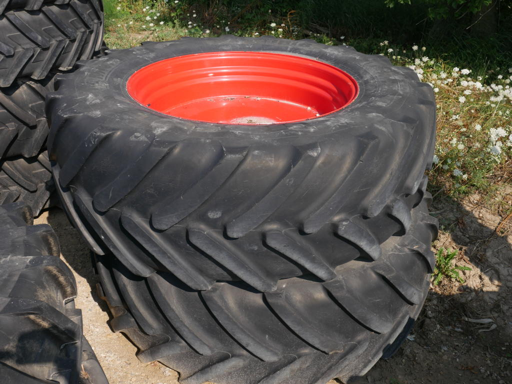 Michelin 650/65R42 - Tires