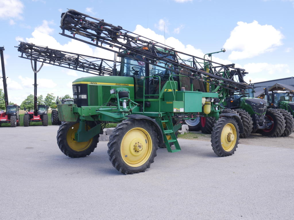 1998 John Deere 4700 - Sprayer - Self Propelled