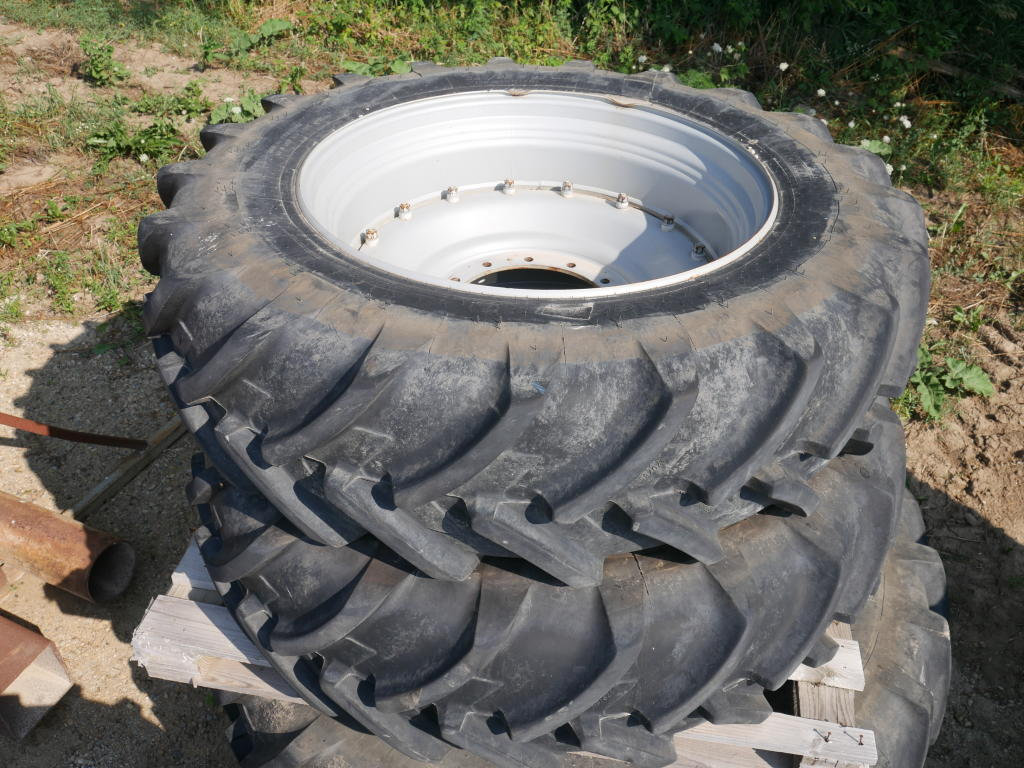 Michelin 420/85R38 - Tires