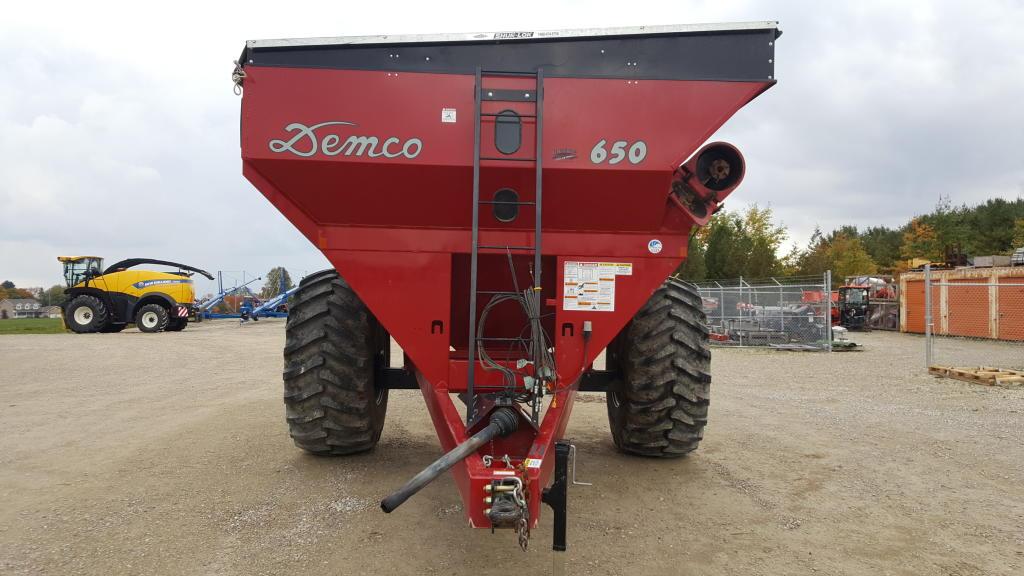2017 Demco 650 - Grain Cart