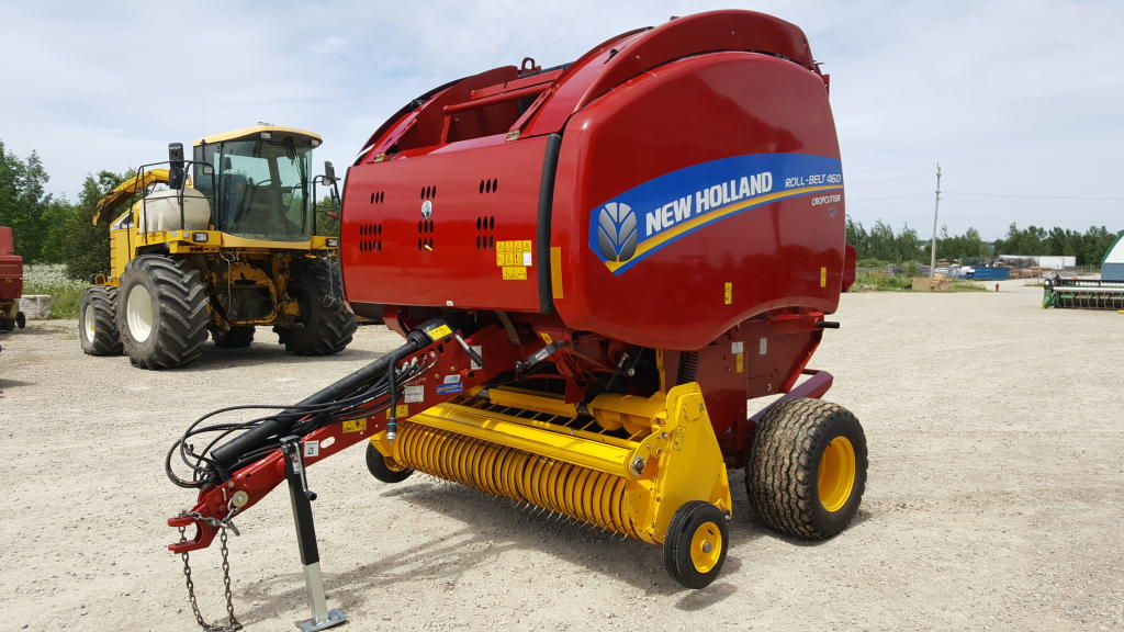 2016 New Holland RB460 - Round Baler