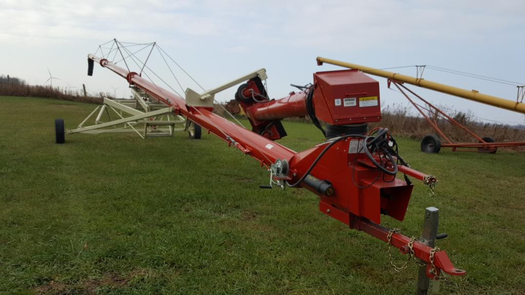 2014 Farm King 10X70 - Grain Auger