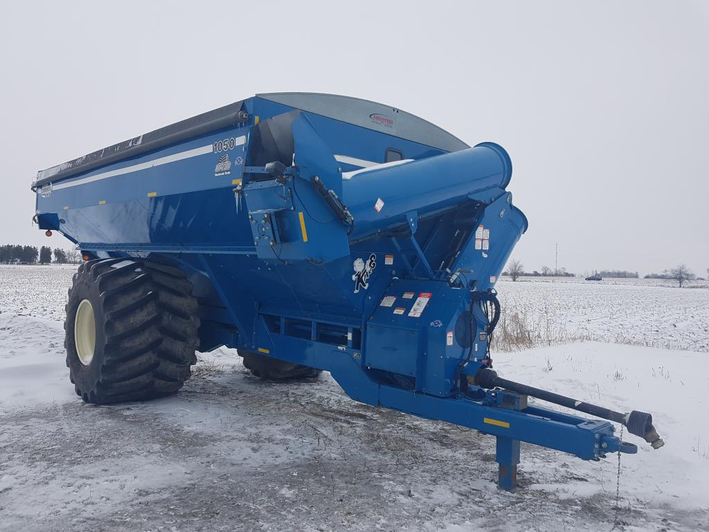 2009 Kinze 1050 - Grain Cart