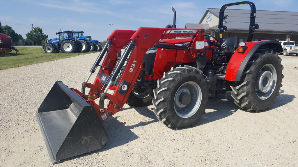 Massey Ferguson 4707 - Tractor