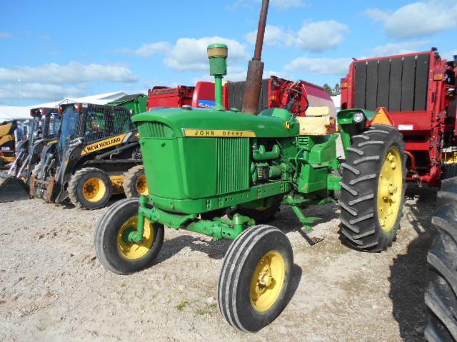 John Deere 3020 - Tractor