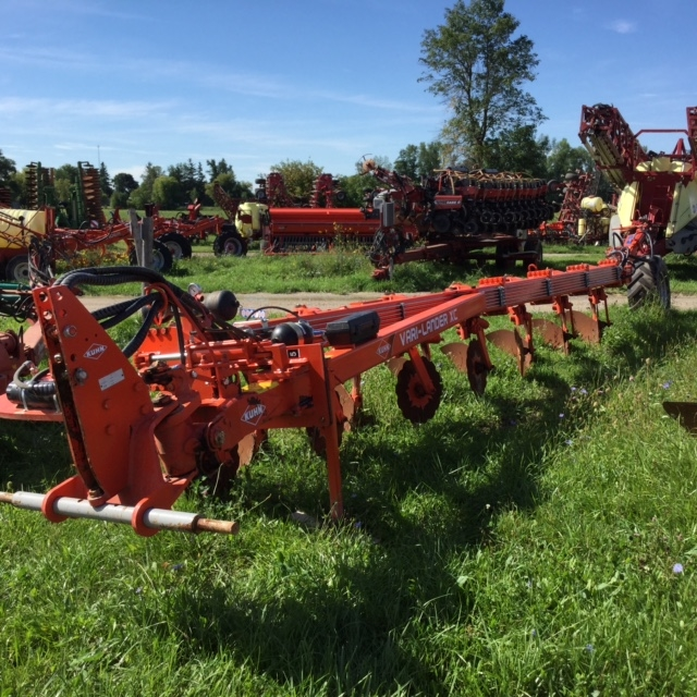 2012 Kuhn 7F - Plow