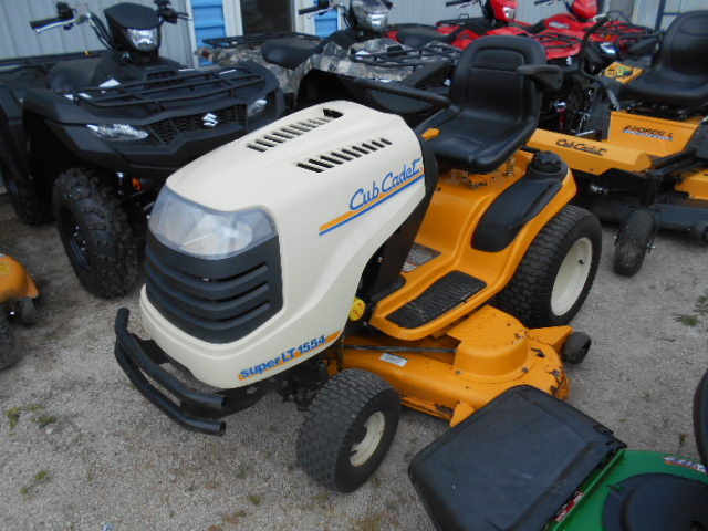 Cub Cadet SLT1554 - Mower - Riding