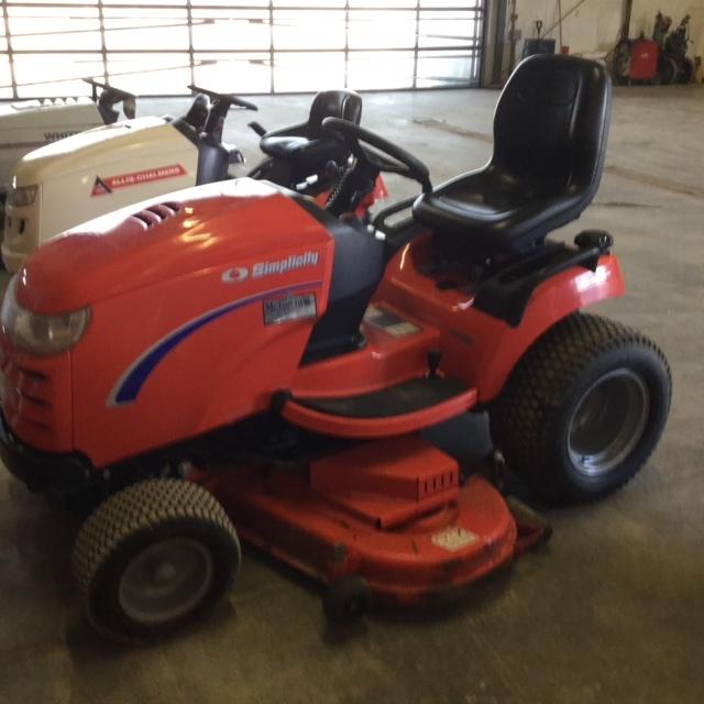 2012 Simplicity 2754 - Tractor - Lawn/Garden