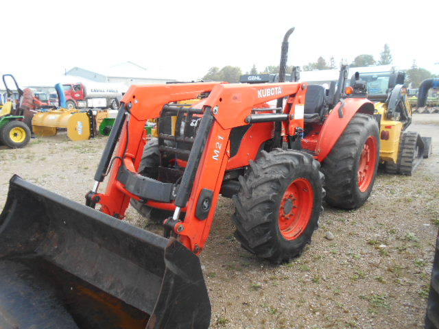 Kubota M7040 - Tractor