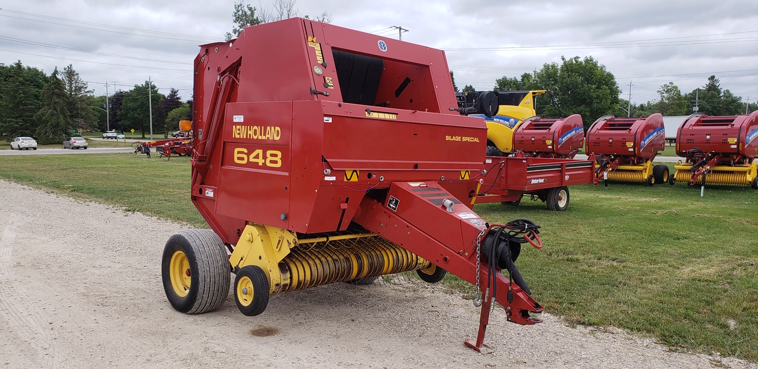2000 New Holland 648 - Round Baler