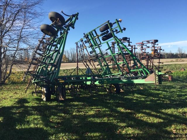 John Deere 960 - Cultivator