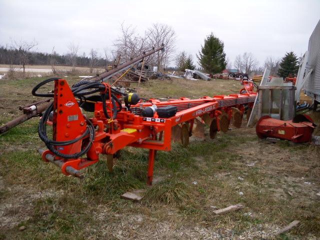 2012 Kuhn 7 Furrow - Plow