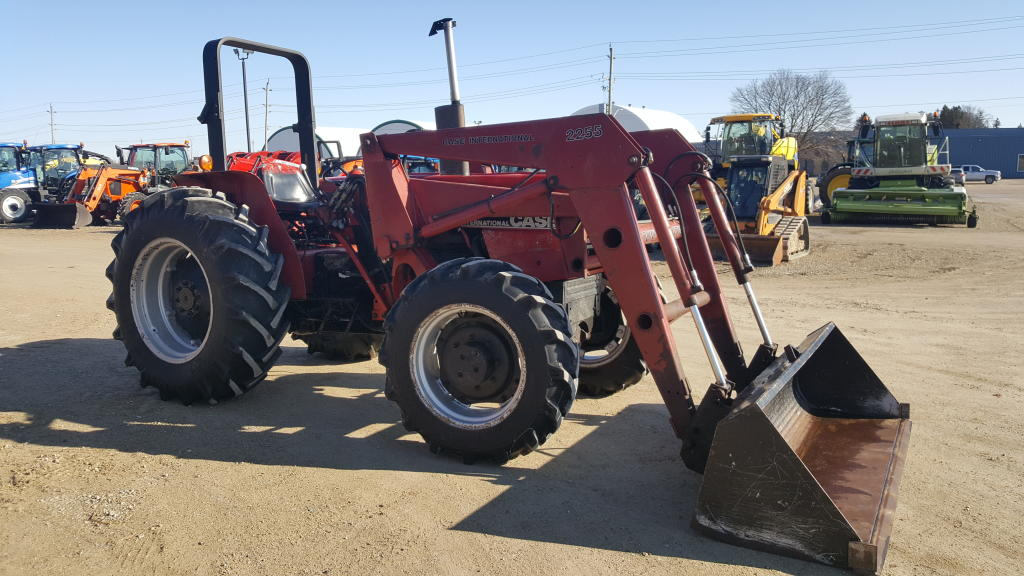 Case IH 585 - Tractor