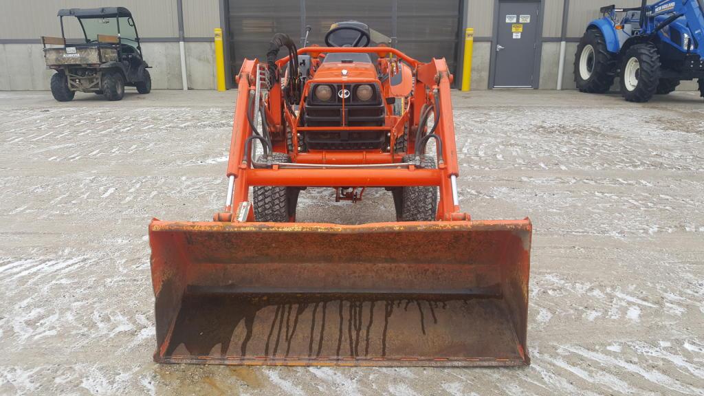 Kubota B7800 - Tractor