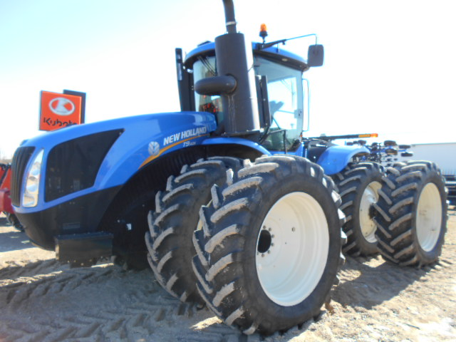New Holland T9.435 - Tractor