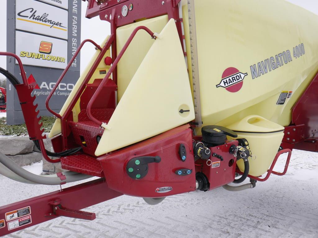 2013 Hardi Navigator 4000 - Sprayer - Pull Type