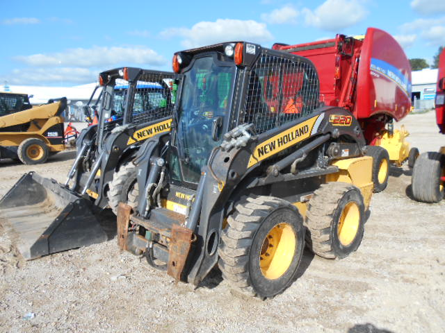 2011 New Holland L220 - Skid Steer