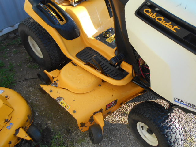 2012 Cub Cadet LGTX1050 - Mower - Riding