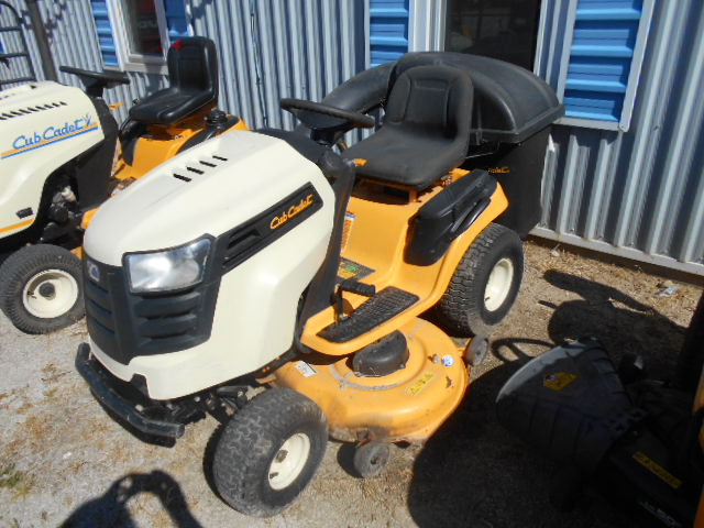 Cub Cadet LTX1146 - Mower - Riding