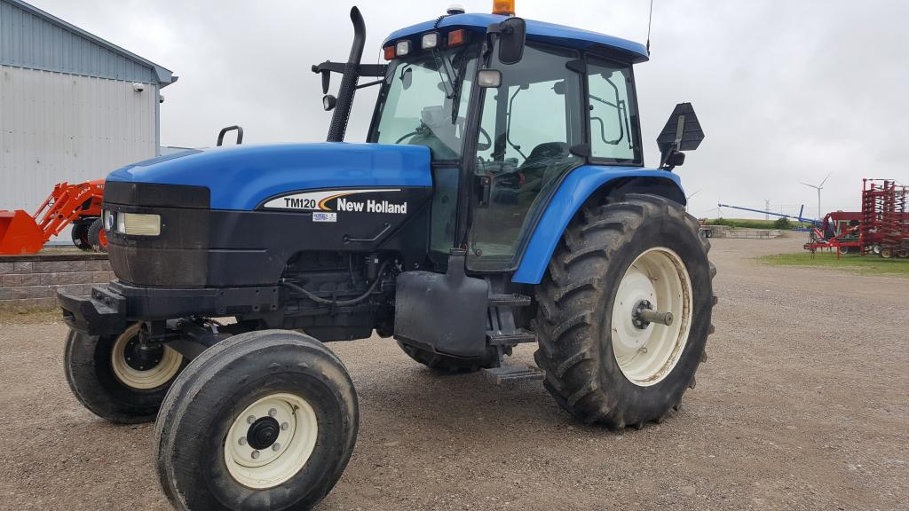 2005 New Holland TM120 - Tractor