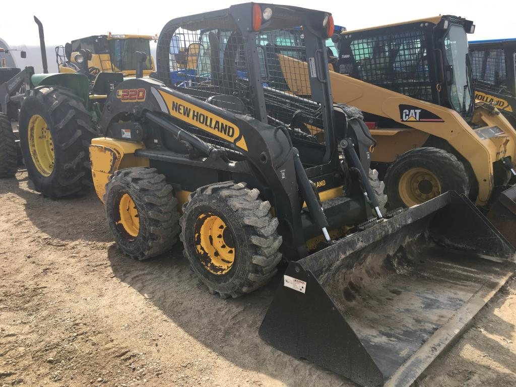 2012 New Holland Construction L220 - Skid Steer
