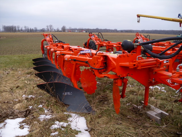 2014 Kuhn 5 - Plow